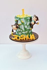 Monkey jungle birthday cake
